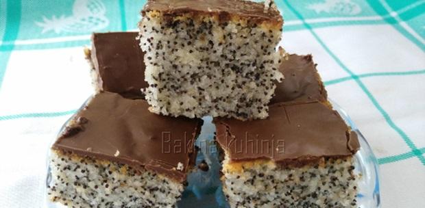 kolac-sa-makom-i-jogurtom-3189443c6a5b3d89623f59a93d401f9e_view_l